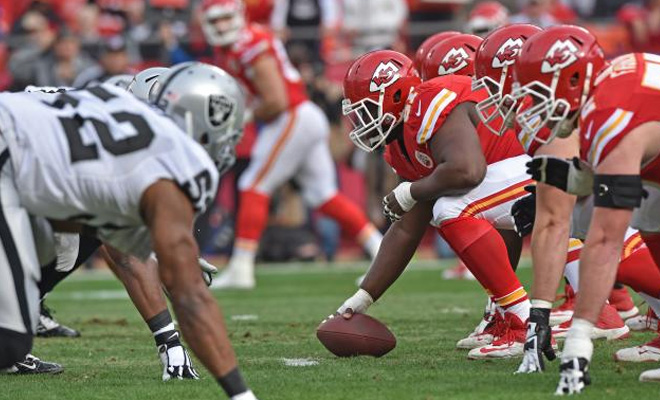 a5c3b624a05 Watch Kansas City Chiefs vs Oakland Raiders Online Free Live Streaming  Football Game on CBS Sports 2015 - TheHDRoom